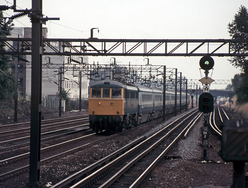 Looking the other way at South Kenton and a WCML express behind a class 86. Of rather more interest is the automatic signalling system which the LMS signal engineer A F Bound designed for the DC Watford New Lines in 1930 and which lasted until 1988.
