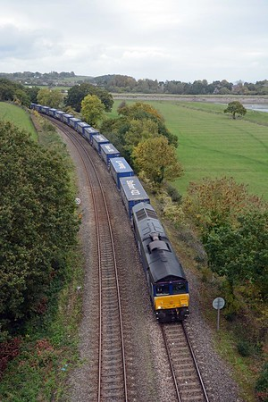 After riding to Pilning and Patchway I returned for the Tesco, once again behind 66424 and today consisting of 30 platforms, carrying 27 loads.