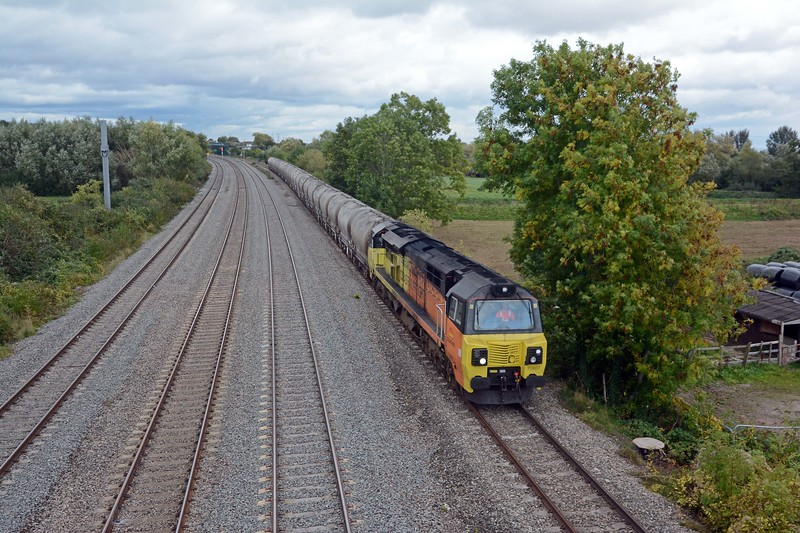 After recessing in the down loop at Pilning, 70807 and its string of PCAs makes a second appearance on its way to Aberthaw.