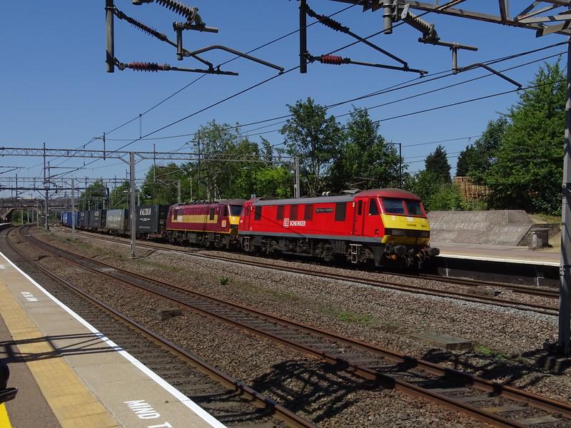 90018 & 90037 - Lichfield Trent Valley