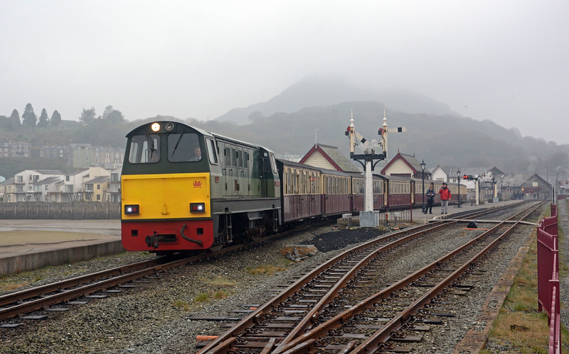 VoR also worked the train carrying the Snowdonian clientele for their Friday afternoon tour of Boston Lodge works.