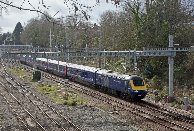 A few minutes later a 3Z93 mini-HST from Cardiff to Bristol Temple Meads, by way of a stop in Pilning Loop and at Filton Abbey Wood. I assume this is driver training for the deployment of mini HSTs on Cardiff to Taunton locals.