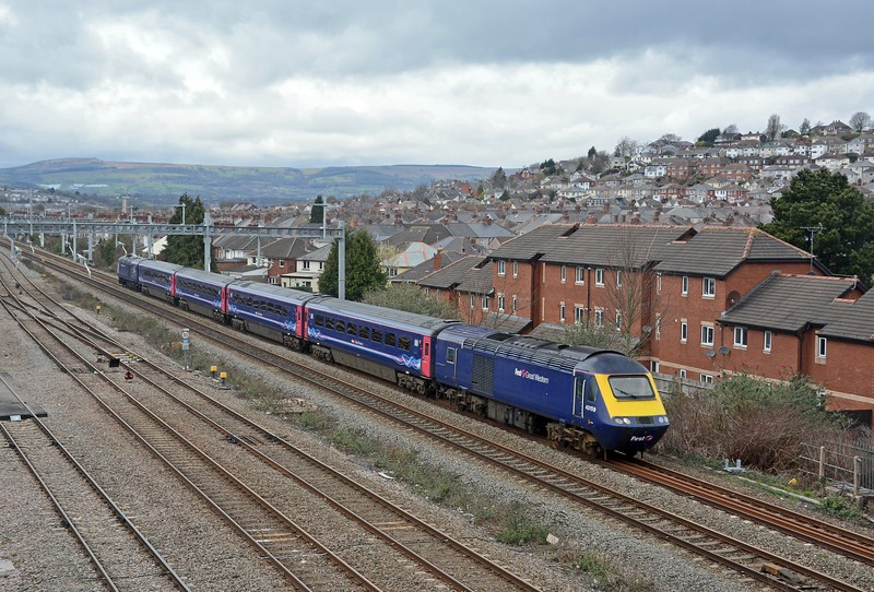 43159 is leading a mini HST formation between Cardiff and Bristol Temple Meads on what I assume is crew training for when HSTs take over the Taunton to Cardiff stopping service.
