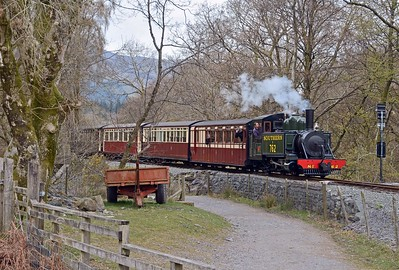Quick run down the field and here is Lyn entering the station, passing the points indicator.