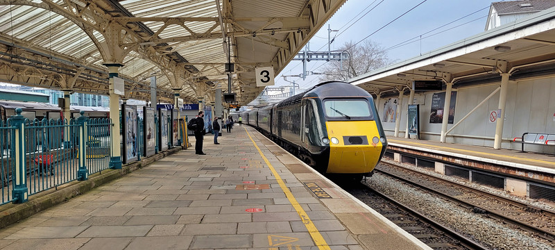 And here's my conveyance, the 12:14 Newport to Taunton which I'll ride three stops to Filton Abbey Wood, Parson Street being one of the few stations where it doesn't stop!   Very nice to be back on board an HST again.