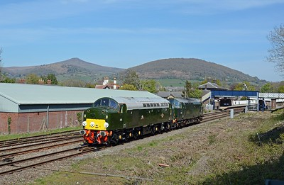 I wasn't at Abergavenny for a routine passenger train, I was there for this, LSL's 0Z66 route refresher from Crewe to Bristol and back and led by 40013 as D213 Andania with 37667 in tow, both looking spotless.