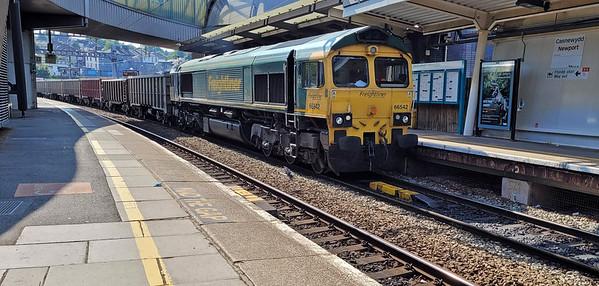 Newport Station / Gorsaf Casnewydd