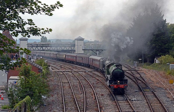 Eventually, some 19 minutes late the Welsh Dragon is off back to Paddington via Chepstow, Gloucester and Kemble. Arrival in Paddington was some 70 minutes late thanks to lengthier than planned stops at Gloucester and Milton Junction.