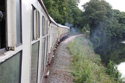 33002 makes good progress with the 1500 Buckfastleigh - Totnes 30/8/14