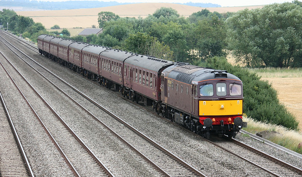 Repainted at Carnforth in June 2014 and now minus its 'Glen Loy' nameplates, 33029 passes Cholsey Manor Farm on the down fast working 5Z36 1257 Southall - Bristol Kingsland Road ECS (for the next days Bristol - Weymouth steam tour) 26/7/14