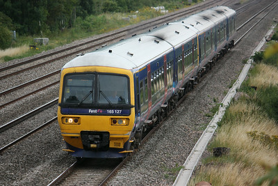 165127 passes Cholsey Manor Farm with the 1250 Paddington - Oxford 26/7/14