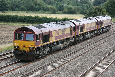 66127, 66134 & 66030 pass Cholsey Manor Farm with an Acton - Didcot light engine move 26/7/14