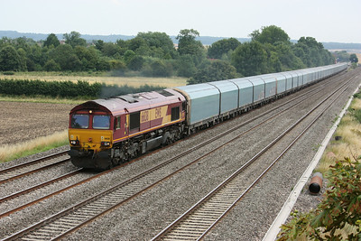 66138 passes Cholsey Manor Farm with 1203 Southampton Eastern Docks - Castle Bromwich 26/7/14