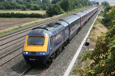 43195 passes Cholsey Manor Farm with the 1230 Paddington - Weston Super Mare 26/7/14