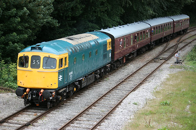 33035 approaches Wirksworth with the 1115 Duffield - Wirksworth 16/8/14