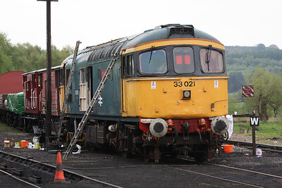 33021 at Cheddleton receiving paintwork/bodywork attention 3/5/14