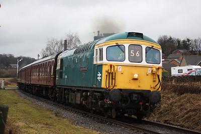 33109 'Captain Bill Smith RNR' passes Townsend Fold with 1612 Rawtenstall - Bury 1/3/15