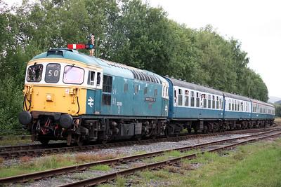 33109 'Captain Bill Smith RNR' arrives at Ramsbottom with 1610 Rawtenstall - Bury 16/8/15