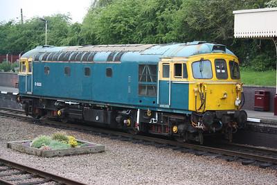 With a partially repainted Cab No.1, 33116 poses at Leicester North 25/4/14