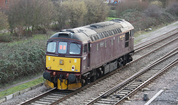 33207 'Jim Martin' passes Didcot North Junction returning to Southall as 1452 Hinksey Yard - Southall 14/1/14