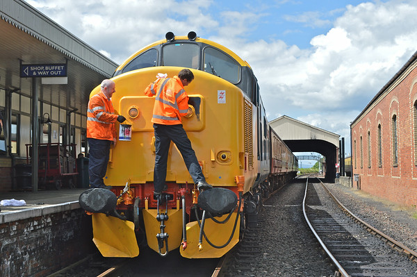 The bad men (vandals ) paint the head code panel black as a tribute to Eastfield depot.<br /> Bo'ness station .<br /> 5th July 2014.
