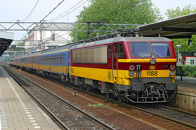 1188 stands in Dordrecht on a Brussels Midi to Amsterdam CS service. 10th June 2004.