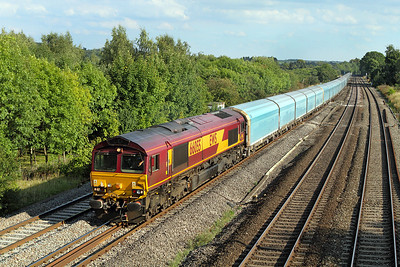 66055 passes Lower Basildon with 6M52 15.10 Southampton Docks to Warrington car carriers. 02/09/2011