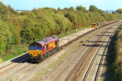 66091 brings the 6V27 13.30 Eastleigh Yard to Hinksey Yard engineers train through Moreton Cutting. 02/09/2011