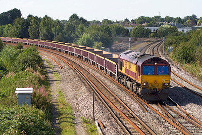 66148 comes off the Didcot avoiding line at Didcot North Junction with 6M26 08.50 Eastleigh Virtual Quarry to Stud Farm empty boxes. Wednesday 5th September 2012.