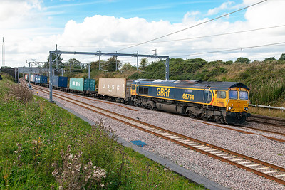 66744 'Crossrail' passes Heamies Farm on the Up Slow with 4L18 14.18 Trafford Park Euro Terminal to Felixstowe North FLT Intermodal service. Thursday 8th September 2016.