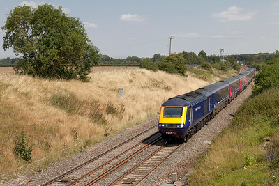 43168 & 43086 with 1C15 13.00 Paddington to Bristol Temple Meads pass Steppingstone Lane, Bourton. Wednesday 30th July 2014.