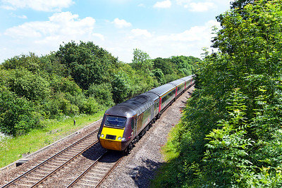43366 leads the 1V52 06.01 Glasgow Central to Plymouth past Ram Hill, 43384 is the rear power car. Friday 13th June 2014.