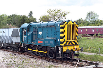 Class 08 No. 08590 shunts wagons in the yard at Swanwick Junction. 20/05/2011