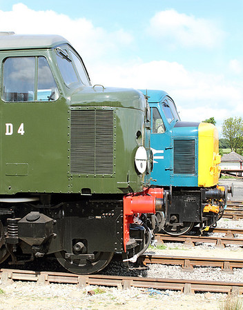 Class 44 & 45 nose ends with D4 & 45133. MRC. 20/05/2011.