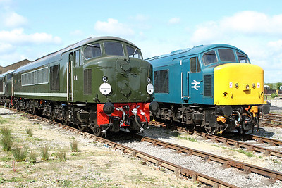 D4 'Great Gable' & 45133 in the yard at Swanwick Junction. Friday 20th May 2011.