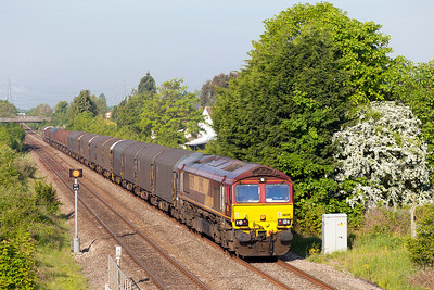 66139 passes Portskewett 6M81 04.46 Margam to Round Oak loaded steel. Friday 16th May 2014.