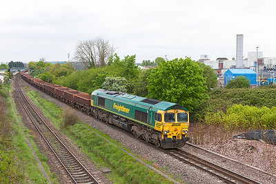 Running 2 hours late, 66554 passes Patchway with 6W07 09.27 Westbury Yard to Rumney River Bridge, Cardiff in connection with the major engineering work there over the Bank Holiday. Friday 2nd May 2014.