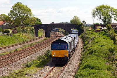 A slightly late running 4V38 08.20 Daventry to Wentloog Tesco train has been sent via the Down Relief passing Undy. Monday 16th May 2016.