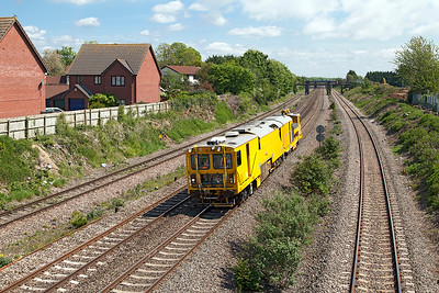 Straightline Stoneblower DR80205 passes Undy on the Down Main running from Bristol Kingsland Road to Maindee Depot. Monday 16th May 2016.