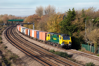 A very clean 70018 passes Undy with 4O70 09.58 Wentloog to Southampton MCT Freightliner service. Friday 11th November 2016.