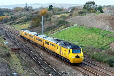 43062 'John Armitt' & 43014 'The Railway Observer' power the NMT past Pilning Village running as 1Z20 05.55 Old Oak Common to Derby RTC via Swansea. Friday 10th November 2017.