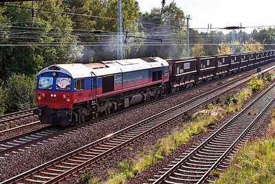 Heavy Haul Power International's 259 003 Ex Foster Yeoman 59003 'Yeoman Highlander' passes Genshagener Heide with the 13.00 New Seddin Yard to Krakow empty VTG ballast hoppers. This loco was exported to Germany in 1997. 24th September 2008.