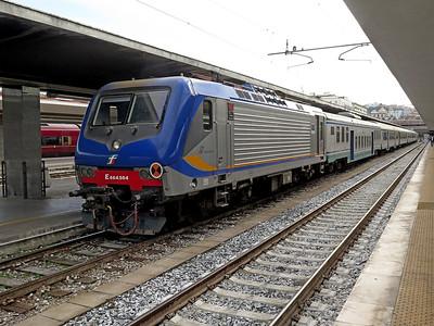 464 564 awaits it's next service at Napoli Centrale. Saturday 30th May 2015.