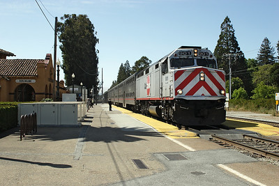 Caltrain 901 (F40PH-2) arrives at Burlingame with train 56 San Francisco to San Jose. 10/05/2007.