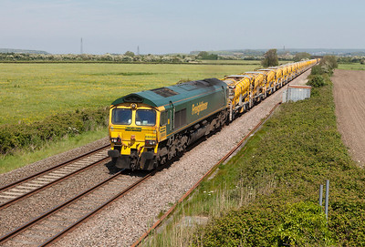 66524 top & tailed with 66514 pass Brean Road, Lympsham with 6Y07 10.22 Ashchurch to Taunton Fairwater Yard HOBC. Sunday 18th May 2014.
