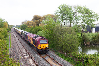 67024 & 67006 pass Hutton Moor on the Weston-super-Mare avoiding line with 1Z78 09.44 London Victoria to Truro Venice Simplon Orient Express. Friday 25th April 2014.