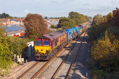 66133 & 66051 top & tail Barton Hill based RHTT with wagons 642012 & 642032 cross over at Worle Junction running as 3S59 20.29 Bristol Barton Hill to Bristol Barton Hill via Cardiff, Hereford, Gloucester and Weston-super-Mare. Friday 21st October 2016.