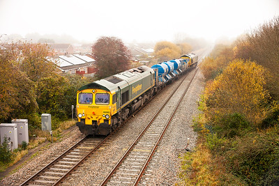 From the 13th November 2016 the Bristol Barton Hill based RHTT (3S59) changed to Freightliner traction from DB Cargo. On a very wet and misty Tuesday 15th November 2016 66560 & 66524 cross over at Worle Junction on their first visit to Weston-super-Mare since the change over.