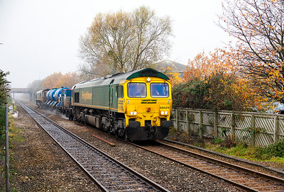 66524 & 66560 pass Worle Parkway returning from Weston-super-Mare with 3S59 RHTT to Bristol Barton Hill on the first visit since the traction changed to Freightliner. Tuesday 15th November 2016.