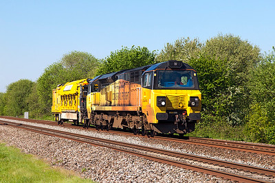 70808 passes Mud Lane, Claverham with Railvac 4 running as 6X54 08.35 Aish Emergency Cross Over to Westbury Up Yard via Bristol. Sunday 15th May 2016.